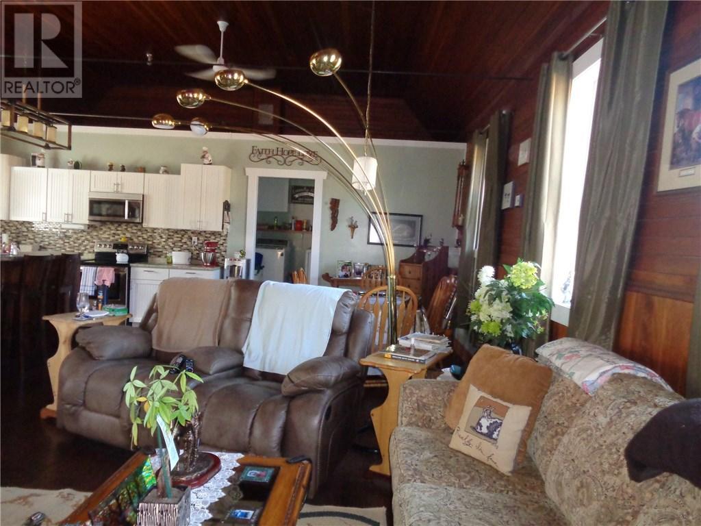 158 Municipal Dr, Coronach, Saskatchewan  S0H 0Z0 - Photo 11 - SK708242