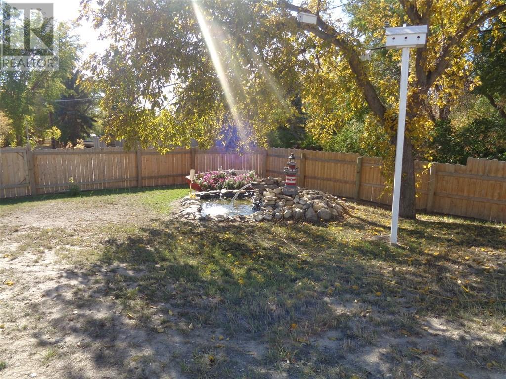 158 Municipal Dr, Coronach, Saskatchewan  S0H 0Z0 - Photo 4 - SK708242