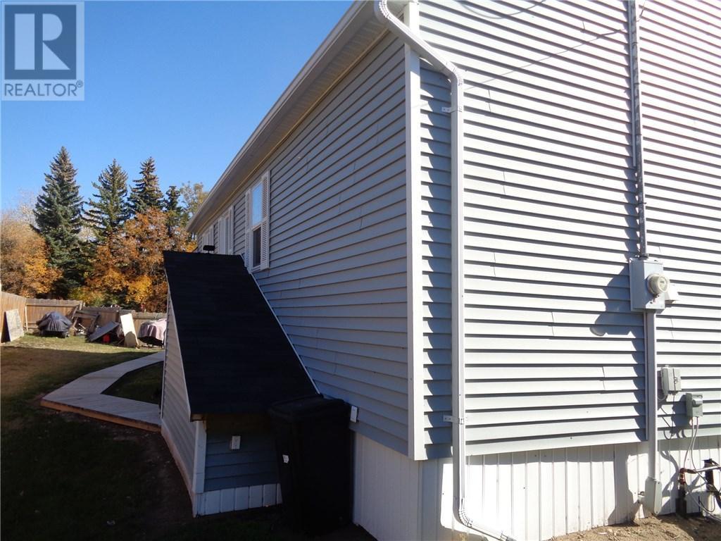 158 Municipal Dr, Coronach, Saskatchewan  S0H 0Z0 - Photo 42 - SK708242