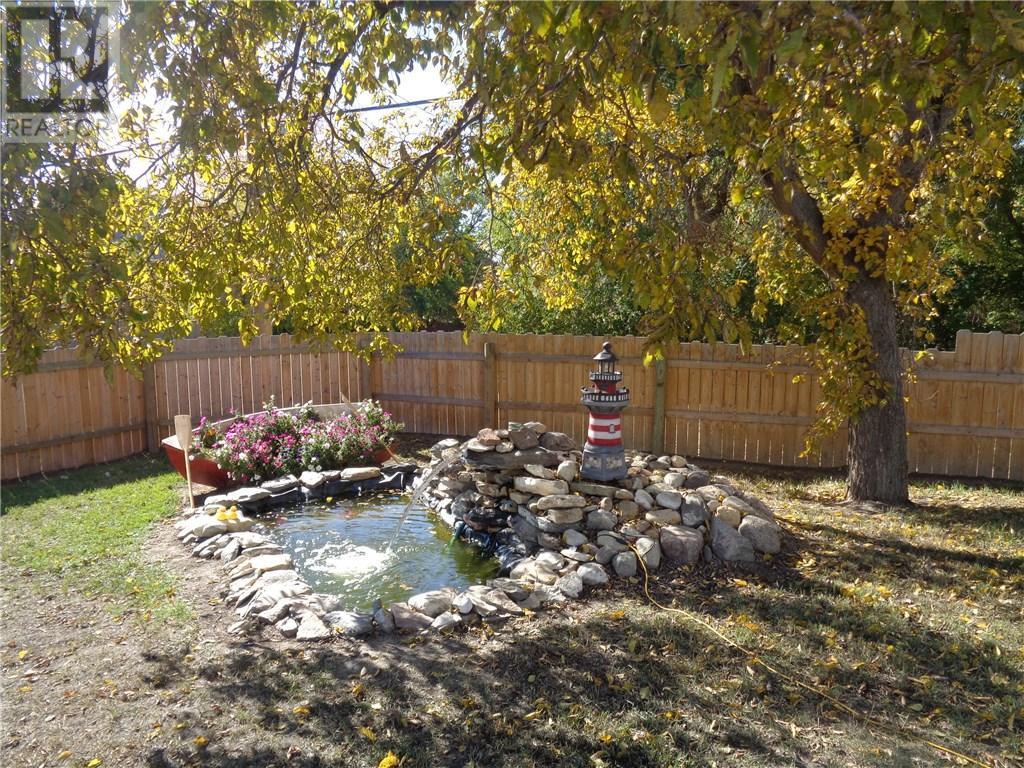 158 Municipal Dr, Coronach, Saskatchewan  S0H 0Z0 - Photo 5 - SK708242