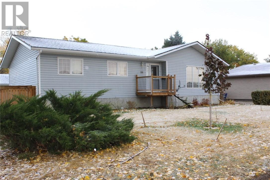 211 Front St, Eastend, Saskatchewan  S0N 0T0 - Photo 1 - SK708561