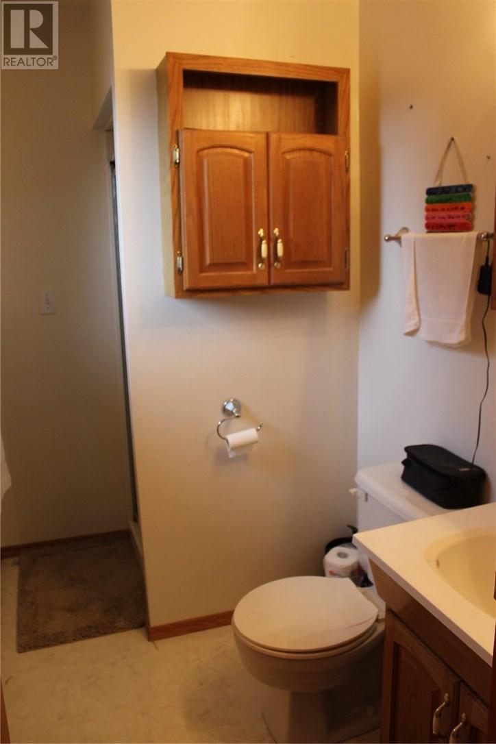 211 Front St, Eastend, Saskatchewan  S0N 0T0 - Photo 13 - SK708561