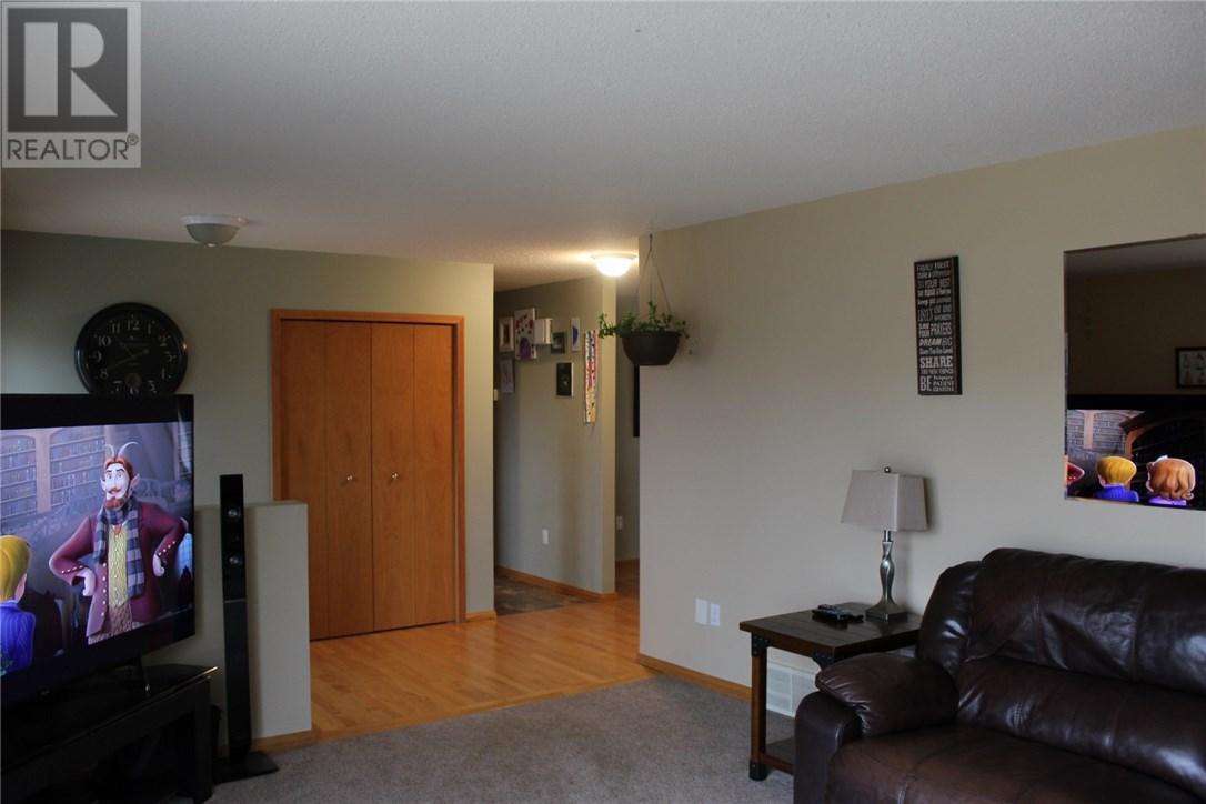 211 Front St, Eastend, Saskatchewan  S0N 0T0 - Photo 18 - SK708561