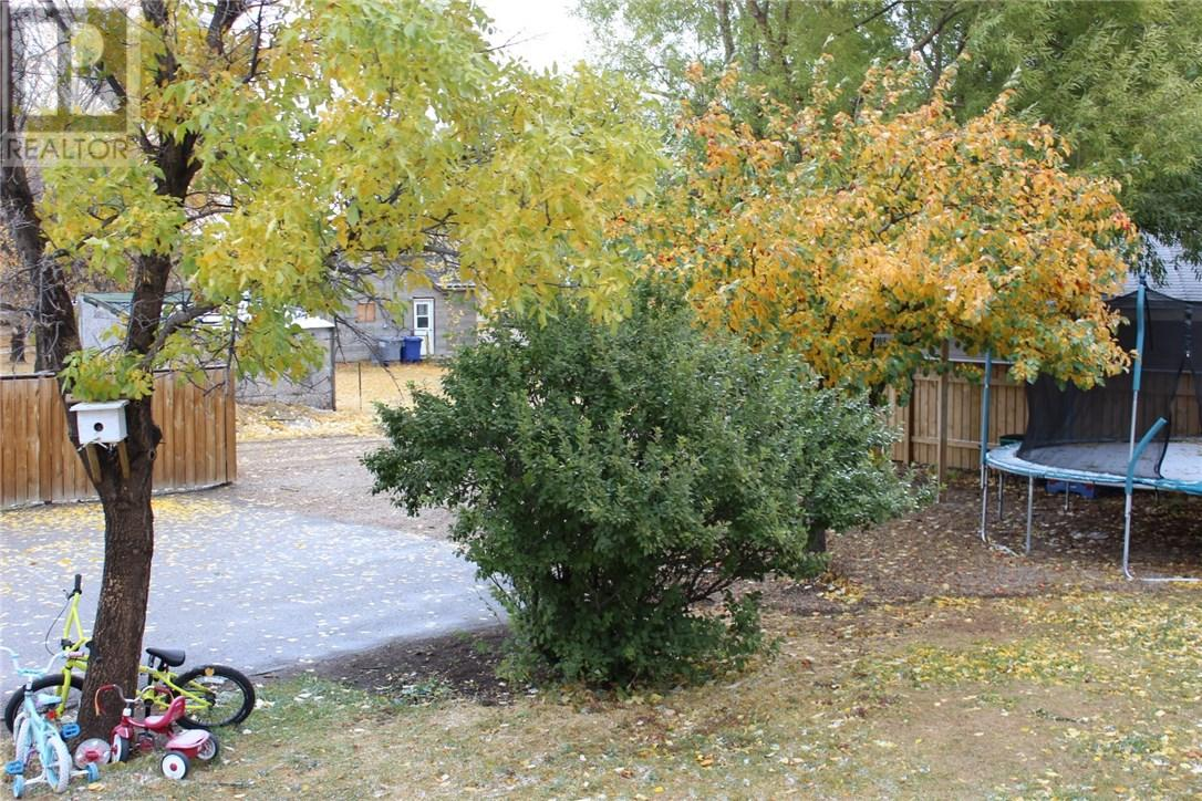211 Front St, Eastend, Saskatchewan  S0N 0T0 - Photo 24 - SK708561
