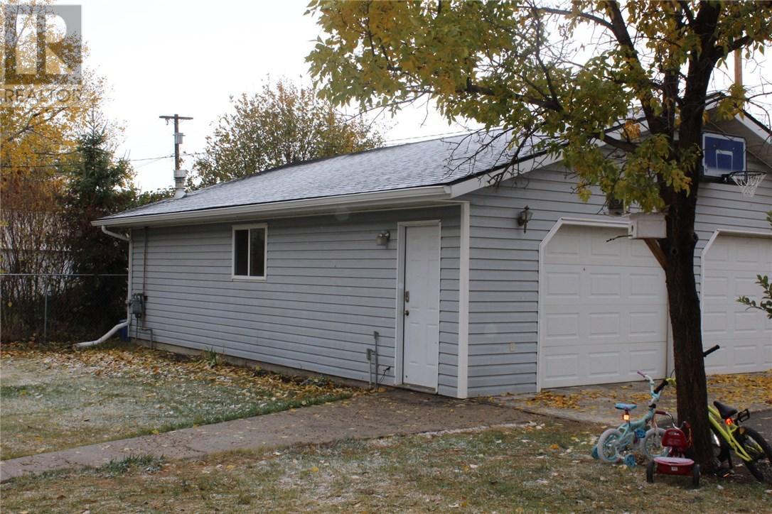 211 Front St, Eastend, Saskatchewan  S0N 0T0 - Photo 32 - SK708561