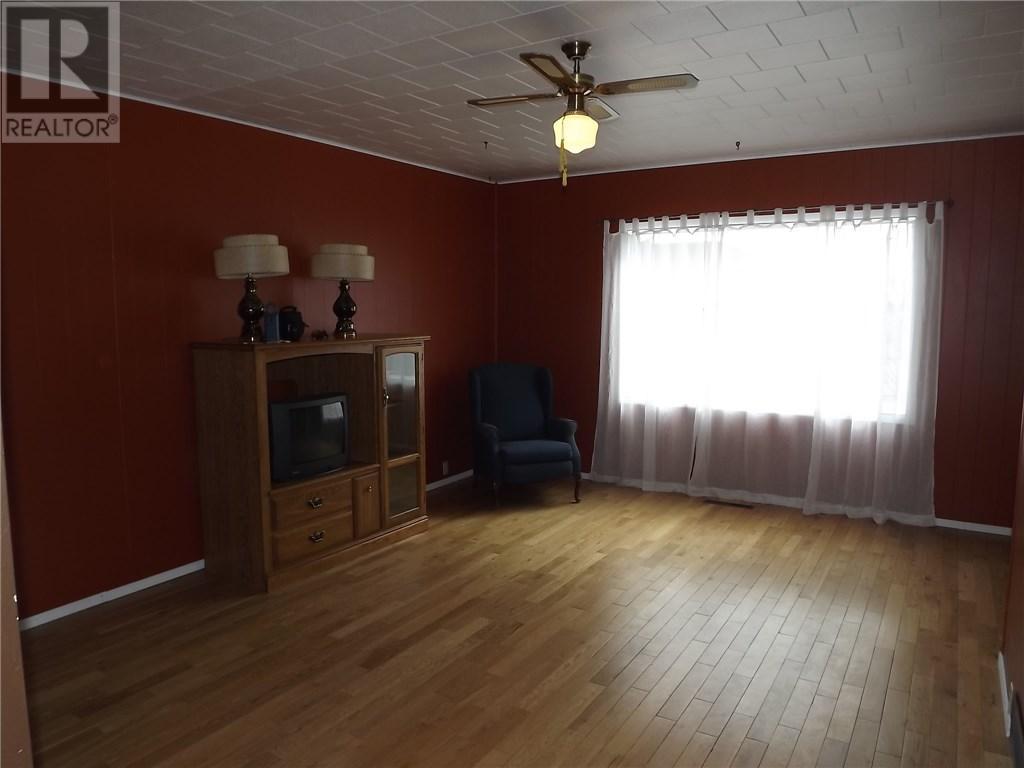 344 Centre St, Ponteix, Saskatchewan  S0N 1Z0 - Photo 10 - SK709421