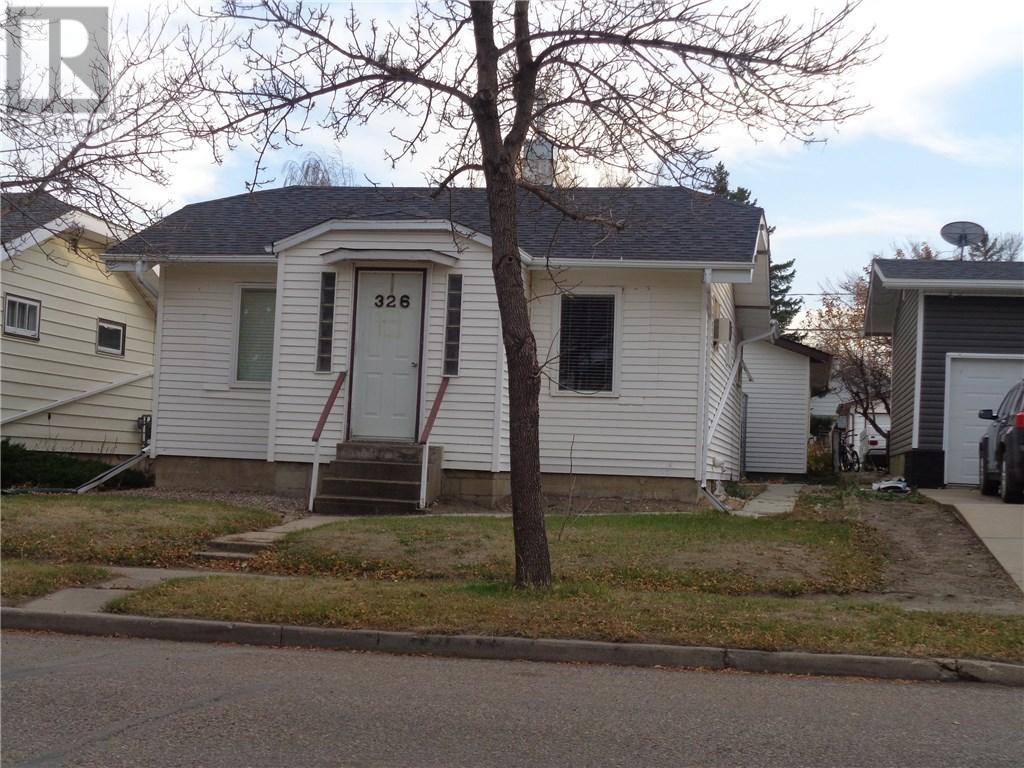 326 4th Ave E, Assiniboia, Saskatchewan  S0H 0B0 - Photo 2 - SK710074