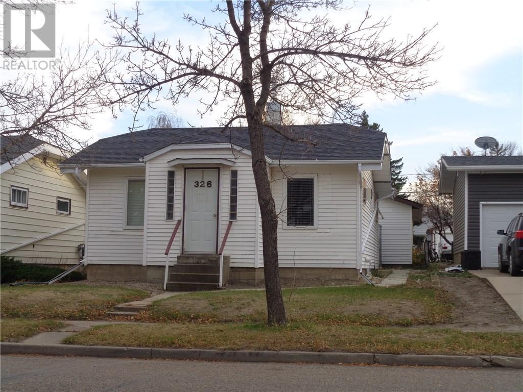 326 4th Ave E, Assiniboia, Saskatchewan  S0H 0B0 - Photo 3 - SK710074