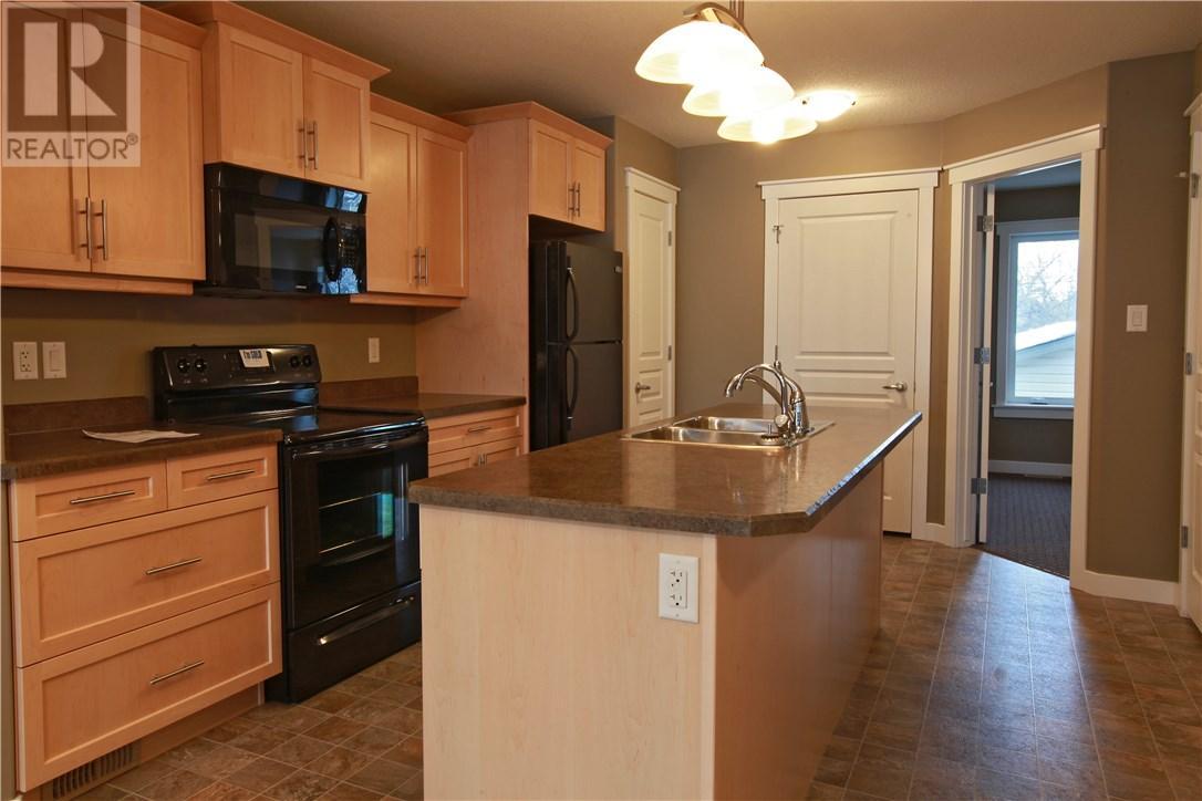 910 Wallace St, Regina, Saskatchewan  S4N 3Y5 - Photo 7 - SK710062