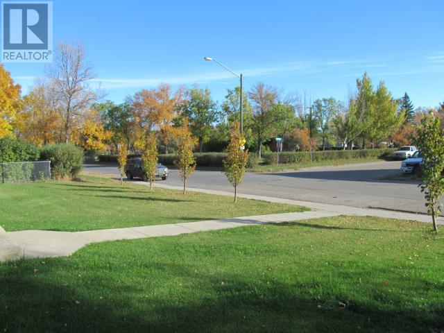 365 1st St E, Shaunavon, Saskatchewan  S0N 2M0 - Photo 35 - SK710376