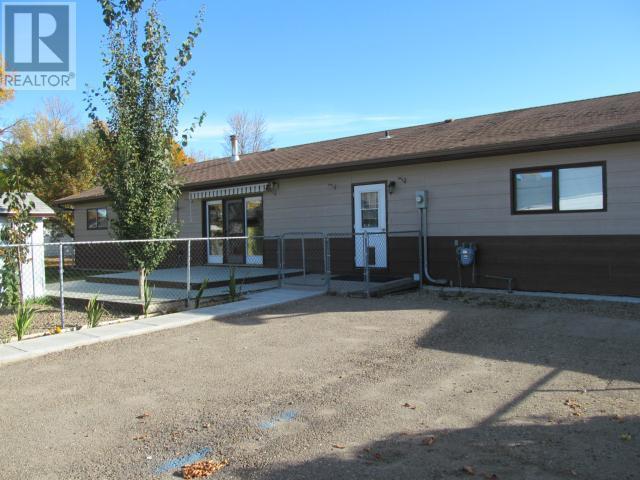365 1st St E, Shaunavon, Saskatchewan  S0N 2M0 - Photo 39 - SK710376