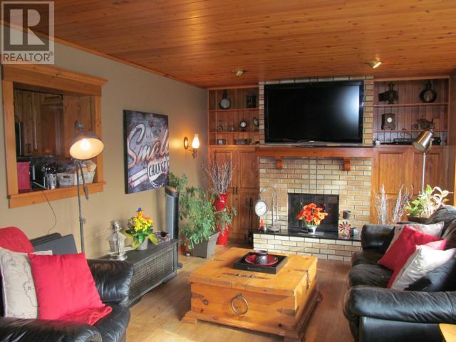 Steele Acres, Shaunavon, Saskatchewan  S0N 2M0 - Photo 3 - SK710617