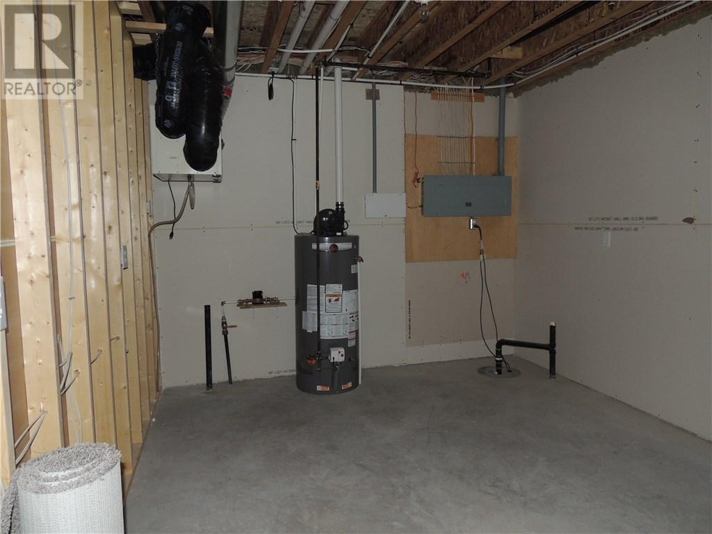 302 Hammett By, Bienfait, Saskatchewan  S0C 0M0 - Photo 24 - SK710937