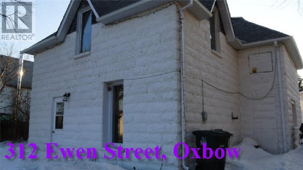 312 Ewen St, Oxbow, Saskatchewan  S0C 2B0 - Photo 1 - SK711209