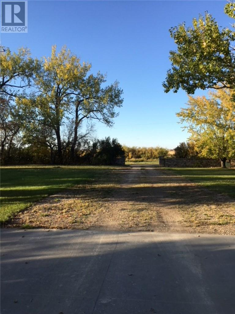 18 Railway Ave, Storthoaks, Saskatchewan  S0C 2K0 - Photo 33 - SK711223