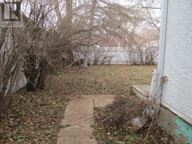 645 Centre St, Shaunavon, Saskatchewan  S0N 2M0 - Photo 22 - SK711605