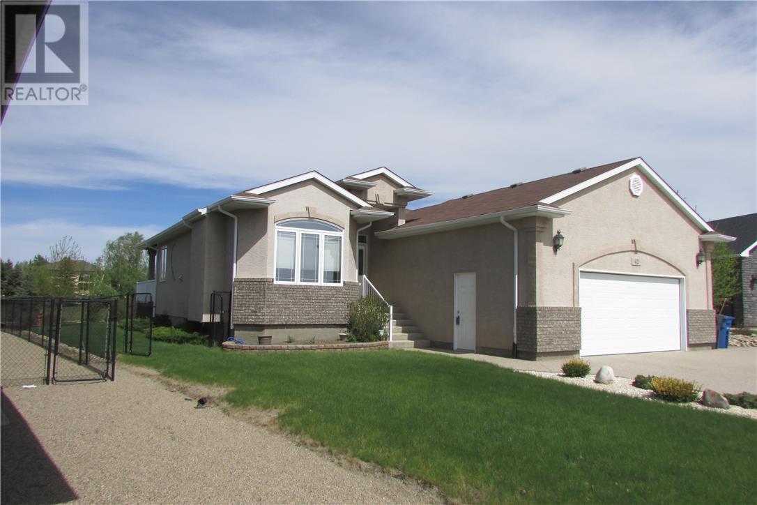 42 Fairway Cres, White City, Saskatchewan  S4L 0A7 - Photo 1 - SK711651