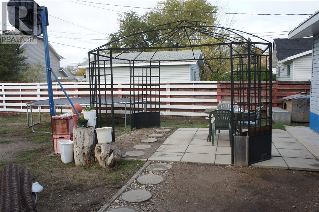 530 3rd St, Estevan, Saskatchewan  S4A 0P4 - Photo 28 - SK711847
