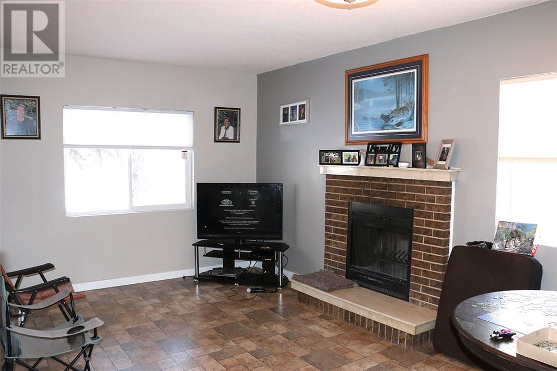 701 Broadway Ave, Regina, Saskatchewan  S4N 1C4 - Photo 8 - SK712491