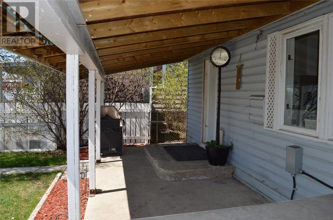 302 Carbon Ave, Bienfait, Saskatchewan  S0C 0M0 - Photo 18 - SK712672