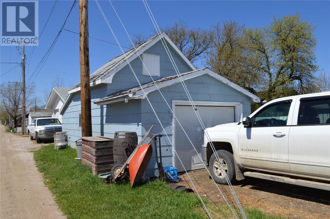 302 Carbon Ave, Bienfait, Saskatchewan  S0C 0M0 - Photo 27 - SK712672