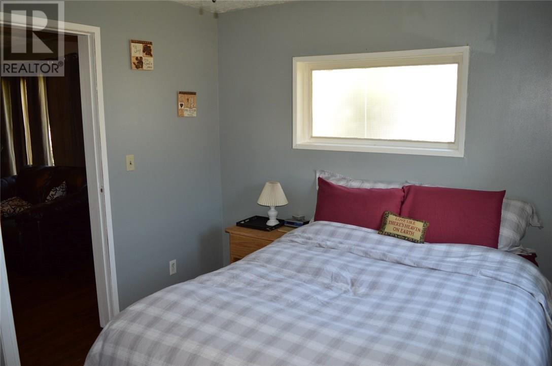 302 Carbon Ave, Bienfait, Saskatchewan  S0C 0M0 - Photo 8 - SK712672