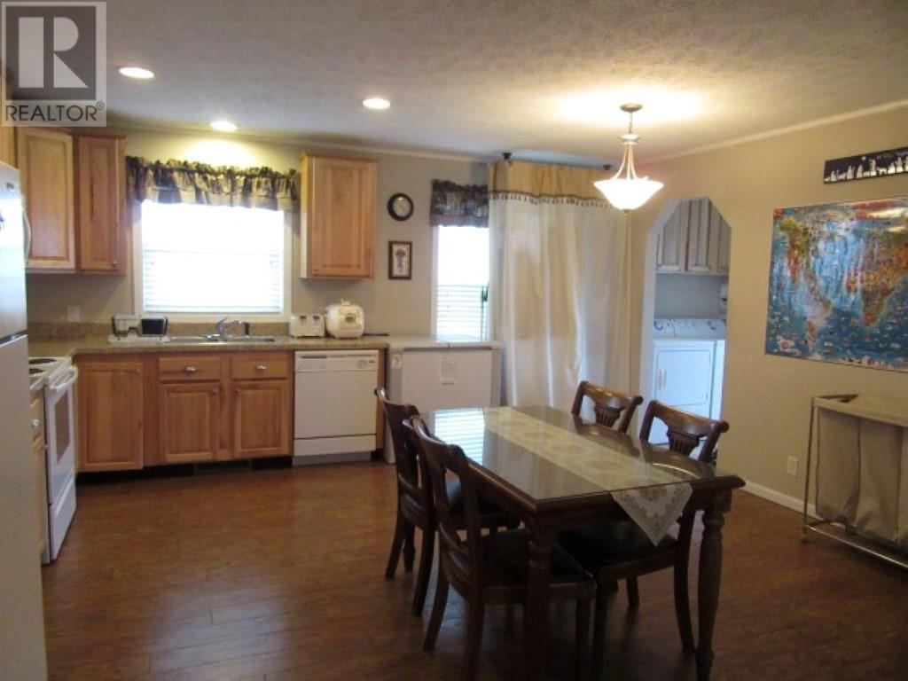 115 Tyvan St, Francis, Saskatchewan  S0G 1V0 - Photo 3 - SK712898