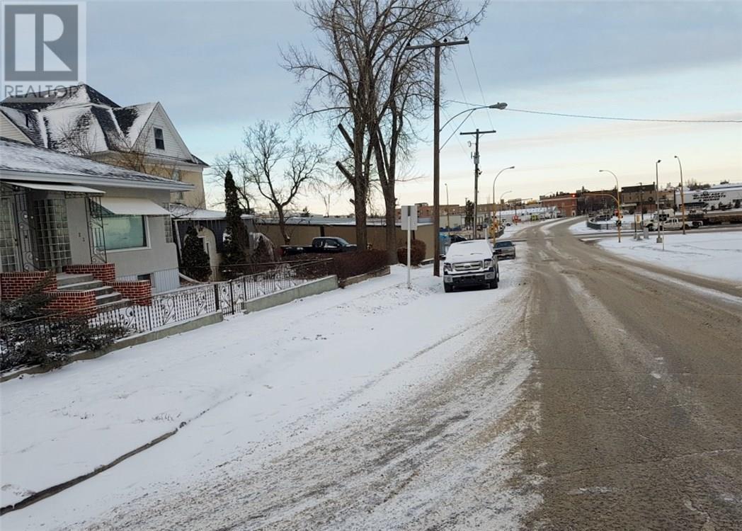 123 3rd St S, Weyburn, Saskatchewan  S4H 2C1 - Photo 46 - SK714264