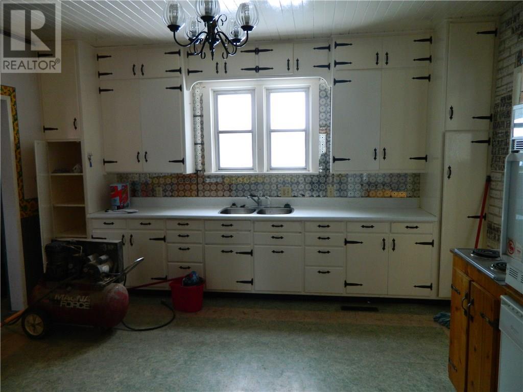 320 Broad St N, Langenburg, Saskatchewan  S0A 2A0 - Photo 10 - SK714297