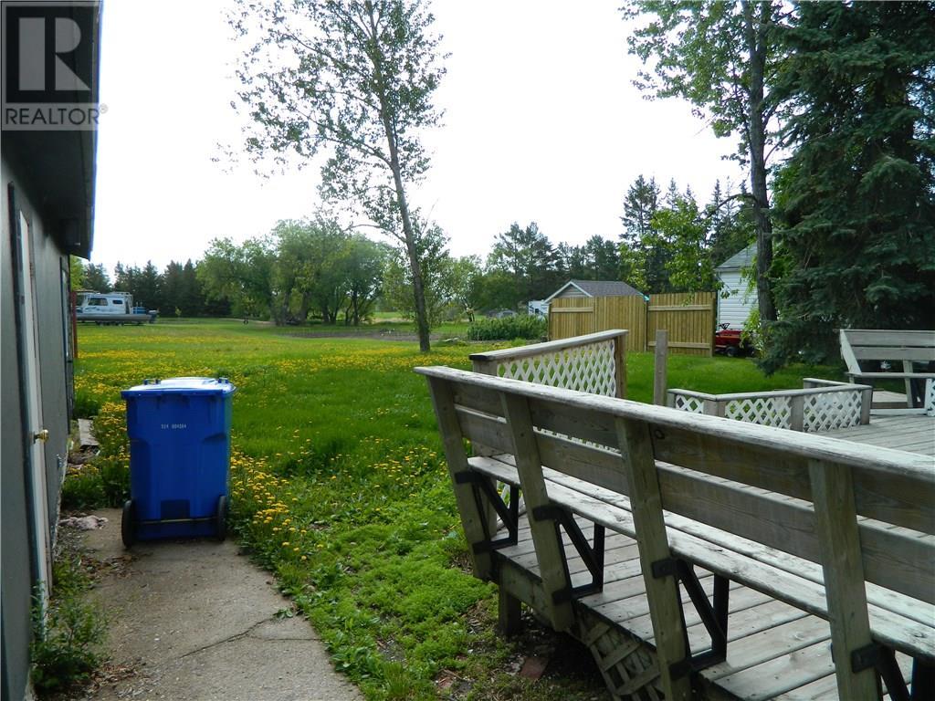 320 Broad St N, Langenburg, Saskatchewan  S0A 2A0 - Photo 2 - SK714297
