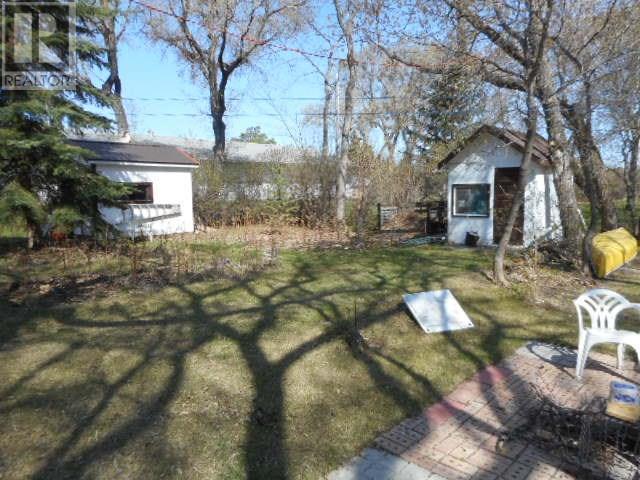 802 Regina Ave, Grenfell, Saskatchewan  S0G 2B0 - Photo 17 - SK714097