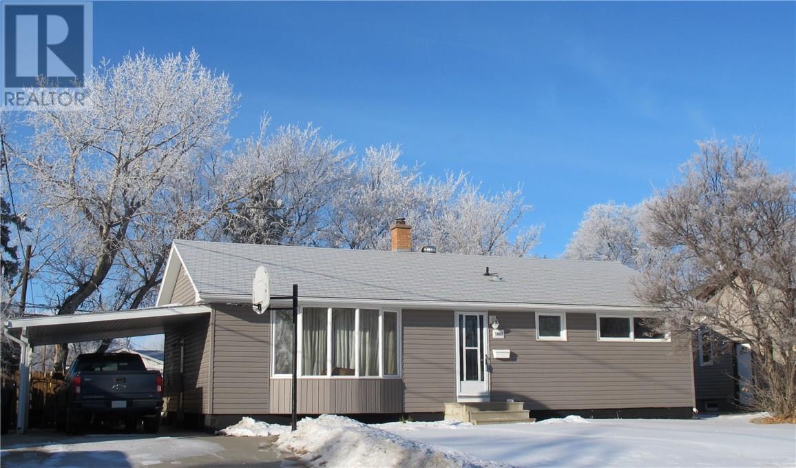 1801 Pettigrew Rd, Estevan, Saskatchewan  S4A 1Z4 - Photo 1 - SK715036