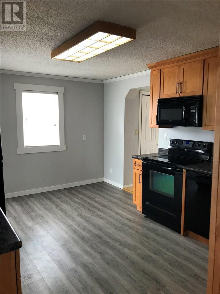 845 Edward St, Estevan, Saskatchewan  S4A 1S6 - Photo 5 - SK715031