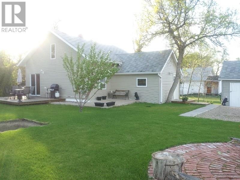 209 1st St W, Lafleche, Saskatchewan  S0H 2K0 - Photo 4 - SK716886