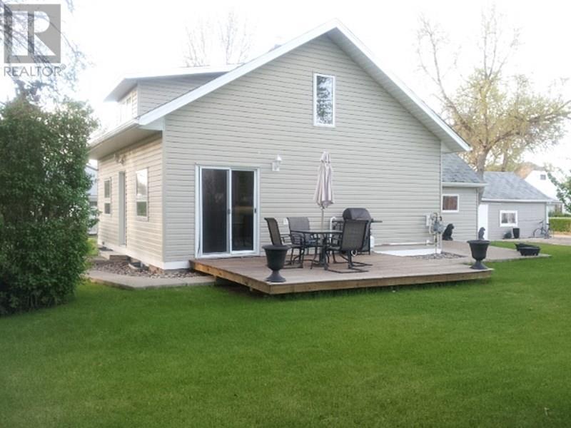 209 1st St W, Lafleche, Saskatchewan  S0H 2K0 - Photo 5 - SK716886