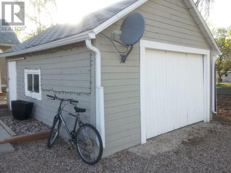 209 1st St W, Lafleche, Saskatchewan  S0H 2K0 - Photo 6 - SK716886