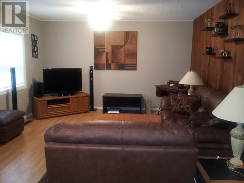 209 1st St W, Lafleche, Saskatchewan  S0H 2K0 - Photo 7 - SK716886