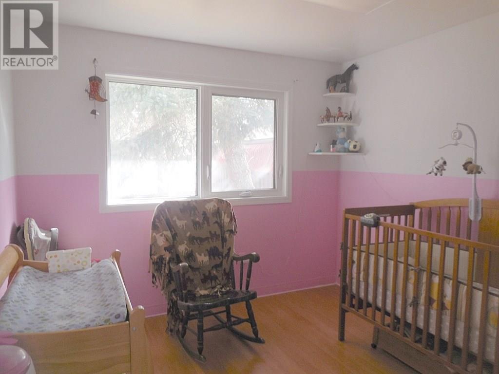 508 4th Ave E, Assiniboia, Saskatchewan  S0H 0B0 - Photo 6 - SK716985