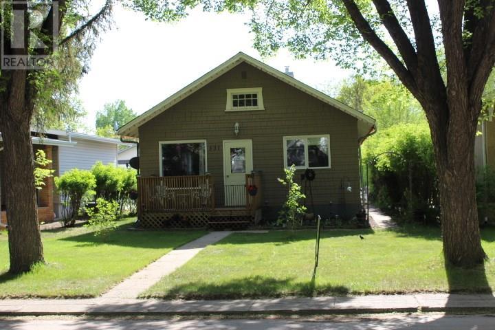 531 1st St E, Shaunavon, Saskatchewan  S0N 2M0 - Photo 37 - SK717244