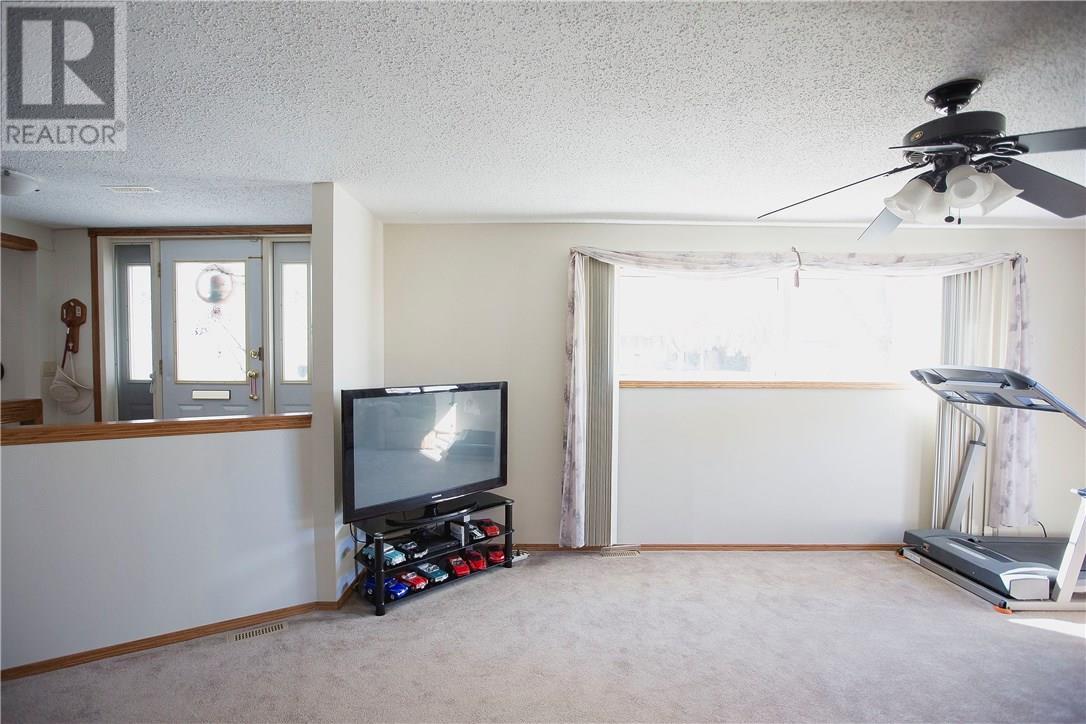 87 Schneider Cres, Regina, Saskatchewan  S4R 7R6 - Photo 9 - SK717237