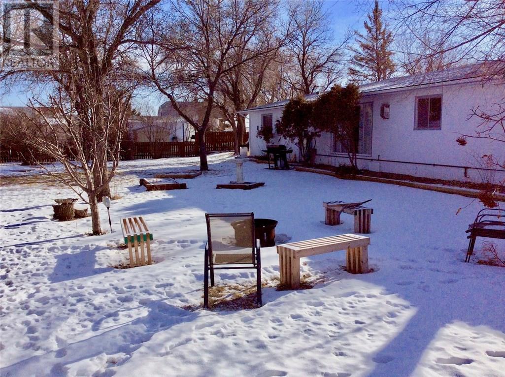 128 3rd Ave W, Ponteix, Saskatchewan  S0N 1Z0 - Photo 21 - SK717385