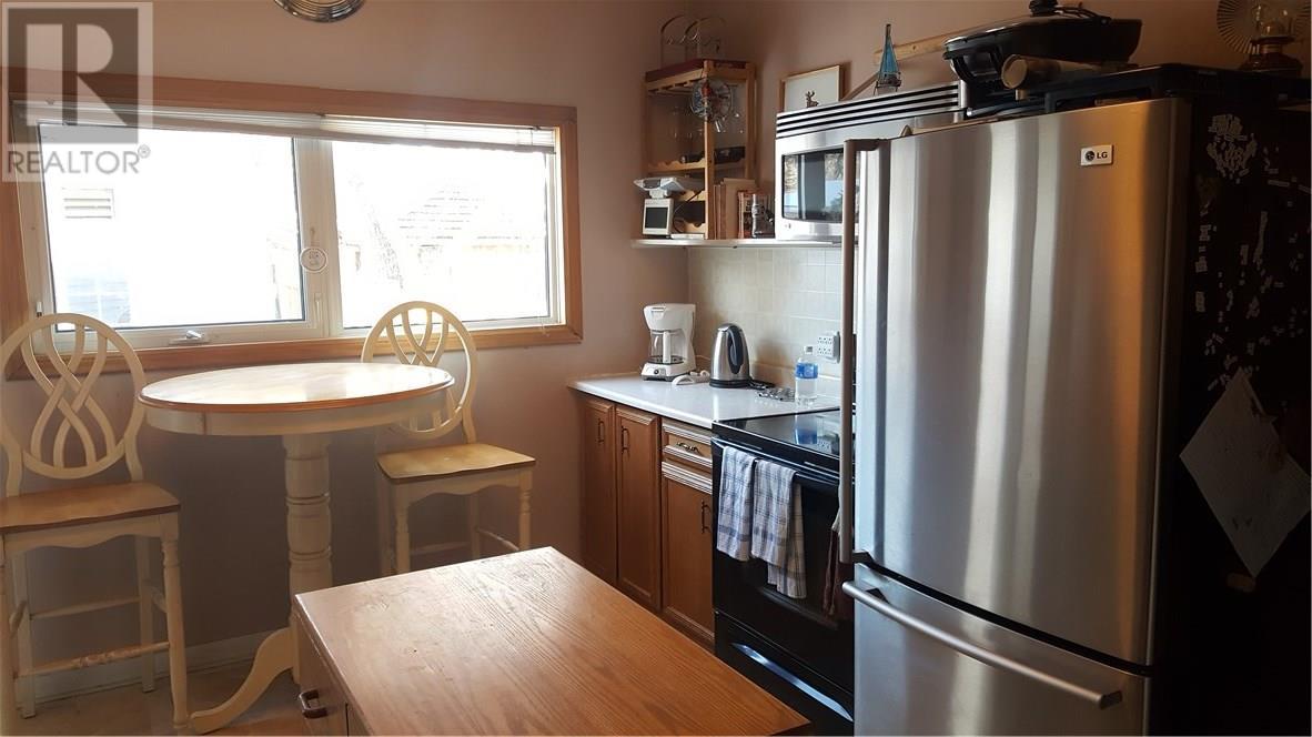 208 1st St W, Ponteix, Saskatchewan  S0N 1Z0 - Photo 7 - SK717359