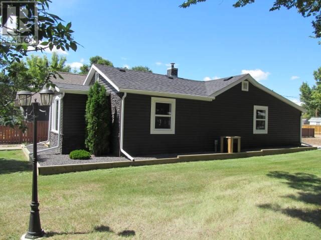 387 3rd Ave E, Shaunavon, Saskatchewan  S0N 2M0 - Photo 24 - SK718509
