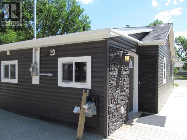387 3rd Ave E, Shaunavon, Saskatchewan  S0N 2M0 - Photo 29 - SK718509