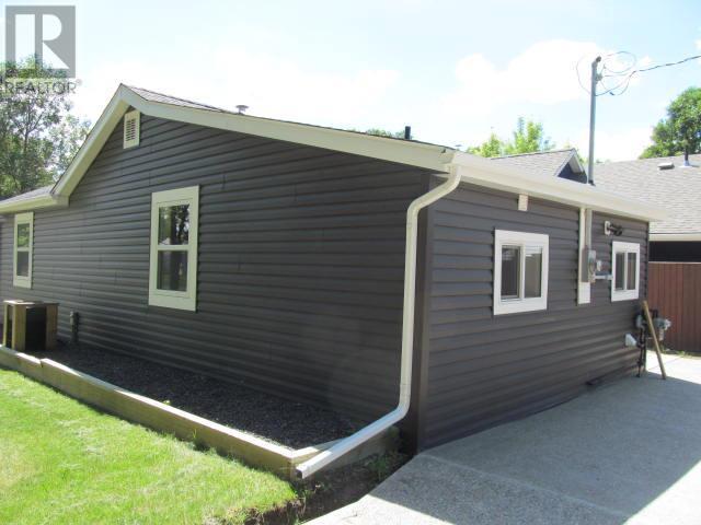 387 3rd Ave E, Shaunavon, Saskatchewan  S0N 2M0 - Photo 30 - SK718509
