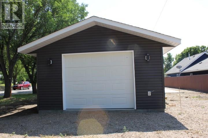 387 3rd Ave E, Shaunavon, Saskatchewan  S0N 2M0 - Photo 36 - SK718509