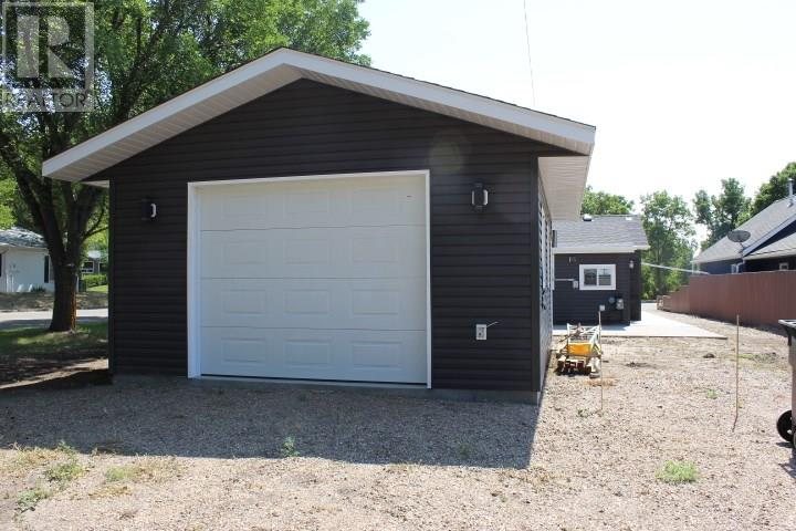 387 3rd Ave E, Shaunavon, Saskatchewan  S0N 2M0 - Photo 37 - SK718509