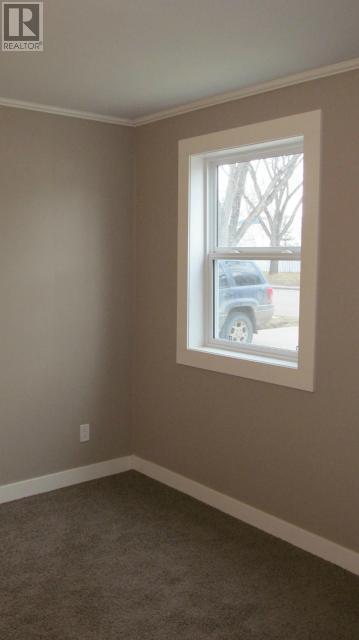 387 3rd Ave E, Shaunavon, Saskatchewan  S0N 2M0 - Photo 9 - SK718509