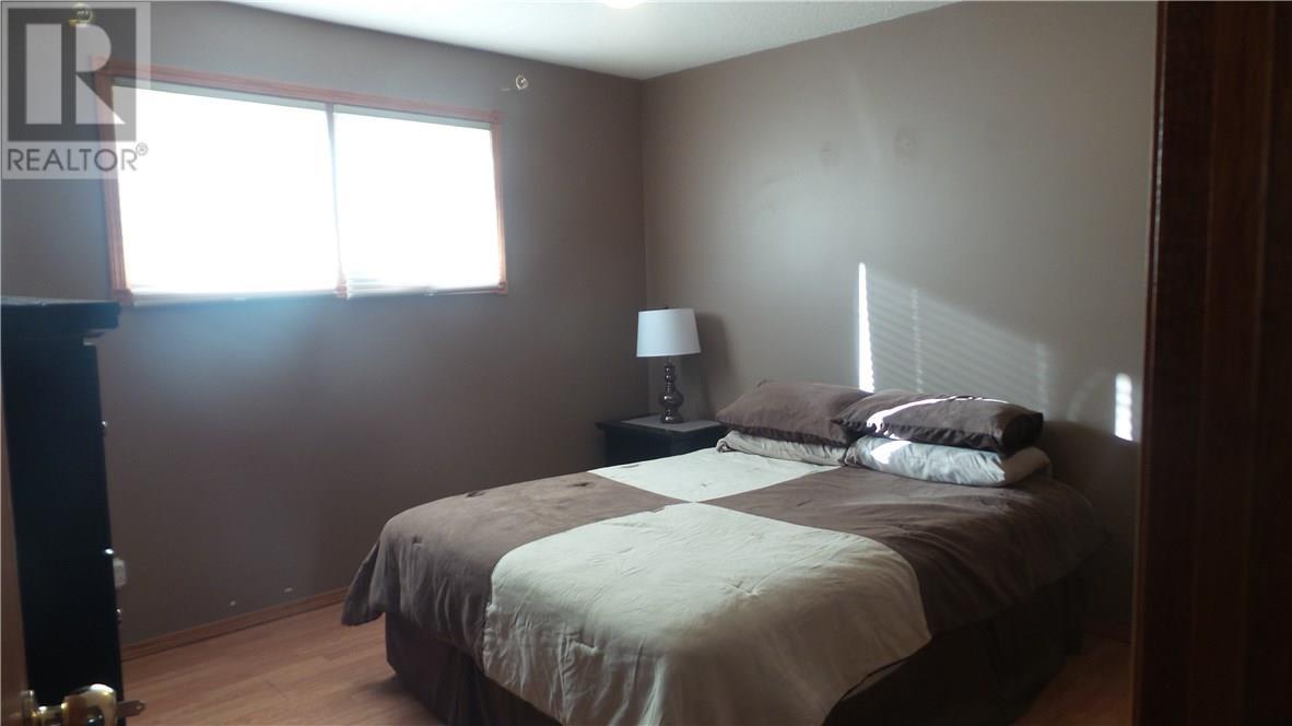 806 Geisen St, Radville, Saskatchewan  S0G 2G0 - Photo 7 - SK718725