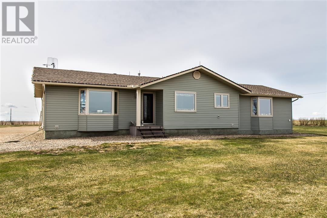 Low's Acreage, Moose Jaw Rm No. 161, Saskatchewan  S6H 4R3 - Photo 1 - SK720373